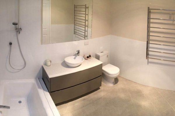 Sutton-after-bathroom