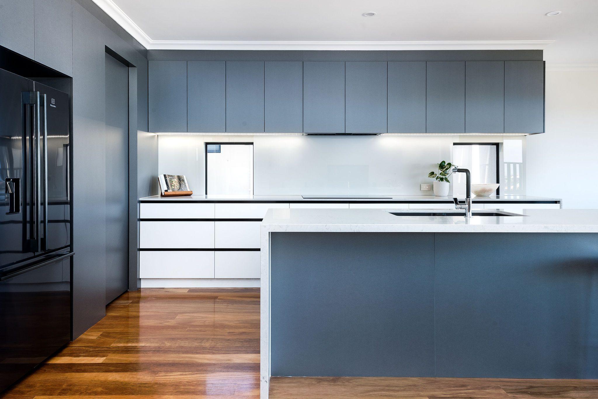 walkin-pantry-black-appliances-tapware-caesarstone-benchtop
