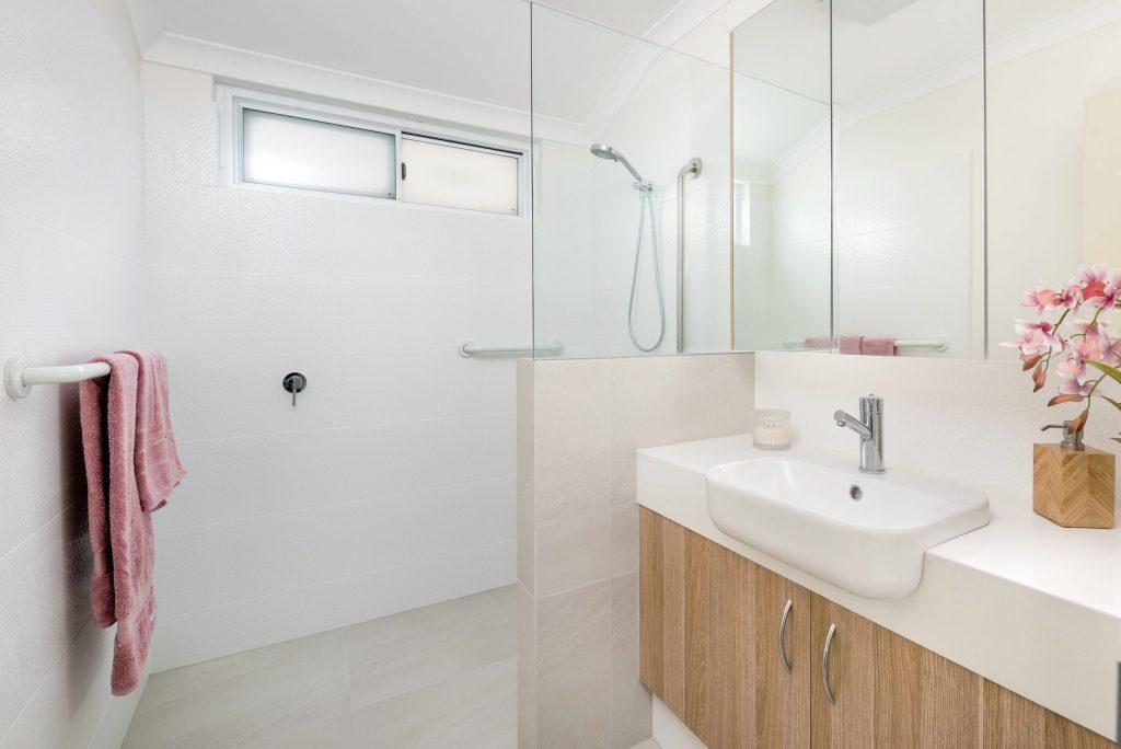 walkin-shower-grab-rails-single-vanity