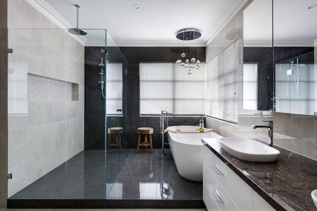 walkin-shower-rain-shower-head-soak-tub-double-vanity