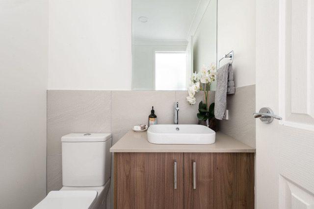 rectangle-mirror-toilet-vanity