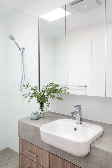 white-hanging-basin-mirror-cabinet