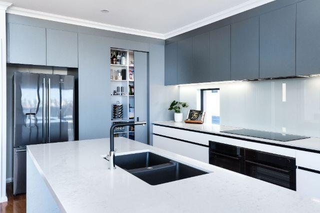 walkin-pantry-black-appliances-caesarstone-benchtop